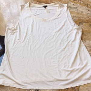 Talbots Woman Supersoft ivory tank/creamy collar